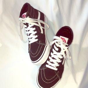 Vans Sk8-Hi Black/White Sneakers!